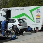 BRR-Team beim Service Skoda Fabia R5; Foto: P. Bohne
