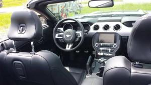 Ford Mustang Cabrio; Cockpit, Foto: P. Bohne