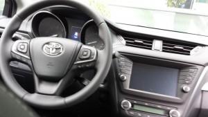 Toyota Avensis Cockpit; Foto: P. Bohne