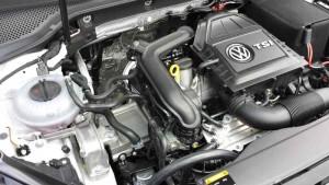 VW Golf TSI 1,0-Liter Dreizylinder-Triebwerk; Foto: P. Bohne