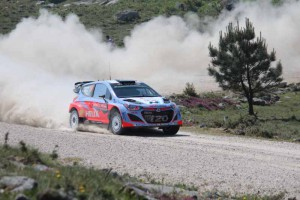 Thierry Neuville, Hyundai i20 WRC, Portugal; Foto: P. Bohne