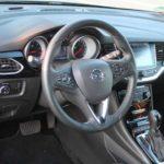 Opel Astra Sports Tourer, Cockpit. Foto: P. Bohne